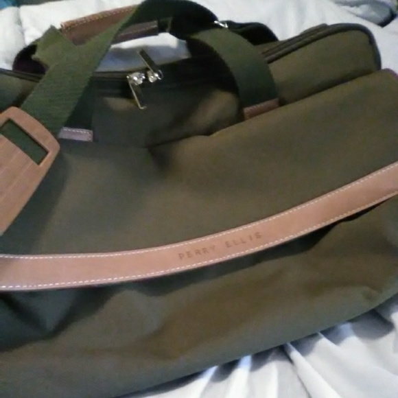 Perry Ellis Other - Perry Ellis overnight bag